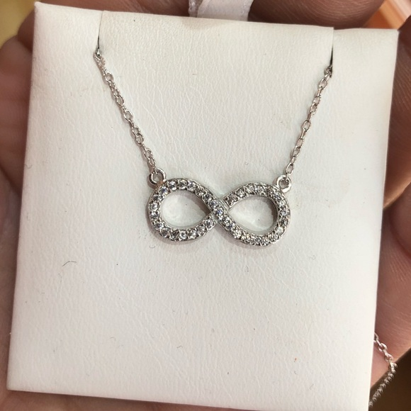 Jewelry - Sterling silver infinity necklace